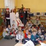 Mikołajkowe czytanie dzieciom w bibliotece szkolnej - 2003