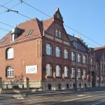 Siedziba szkoły w latach pięćdziesiątychprzy u. Armii Czerwonej 10, dziś ul. Armii Krajowej
